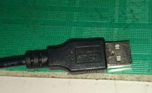 2-11 USBプラグ