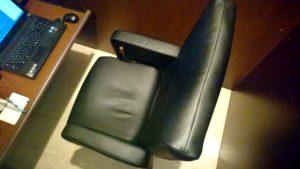 4-7 リクライニングの椅子(起こした状態)