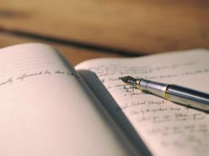 ノートにまとめている画像